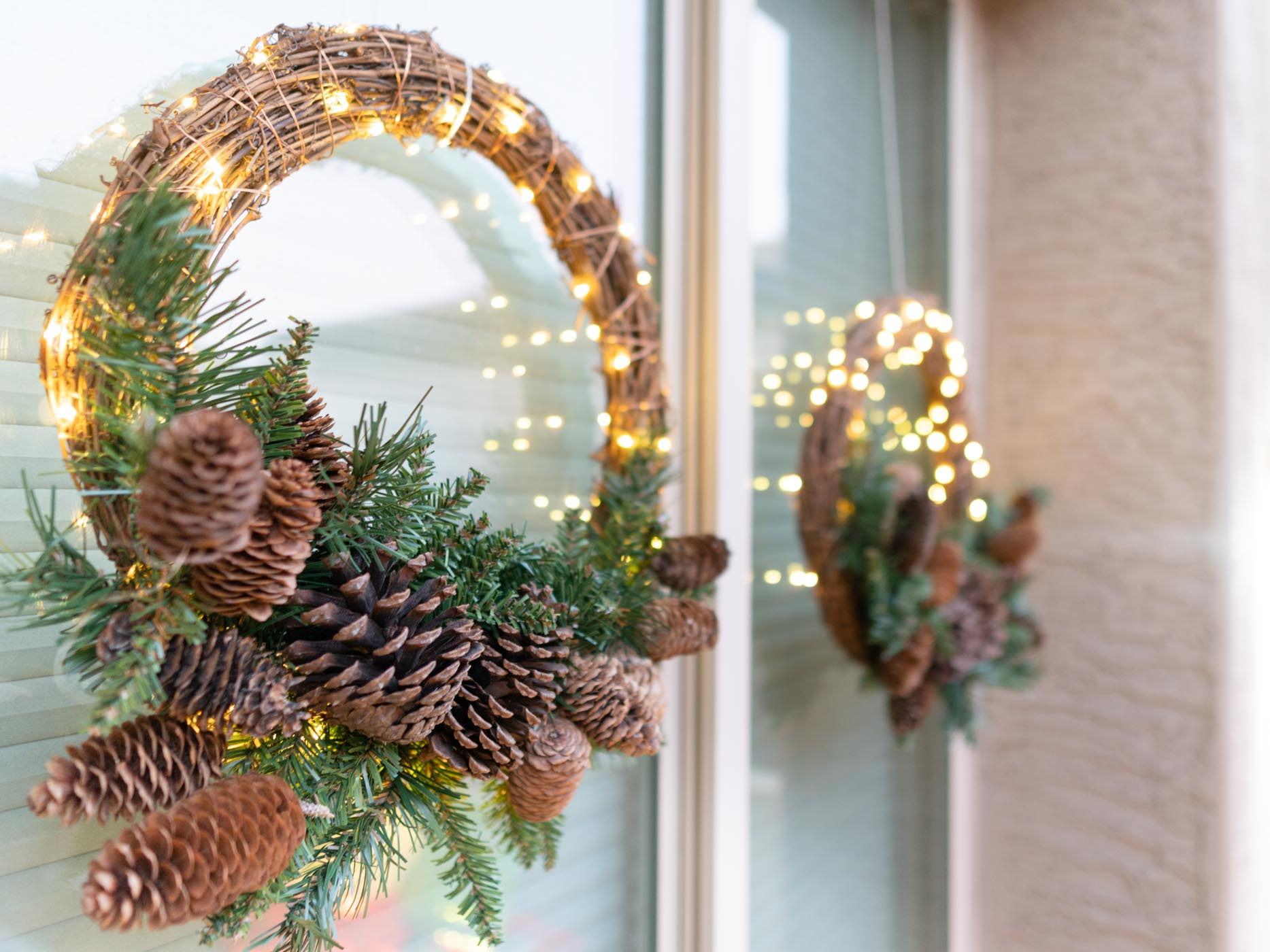Neutral and traditional holiday decor