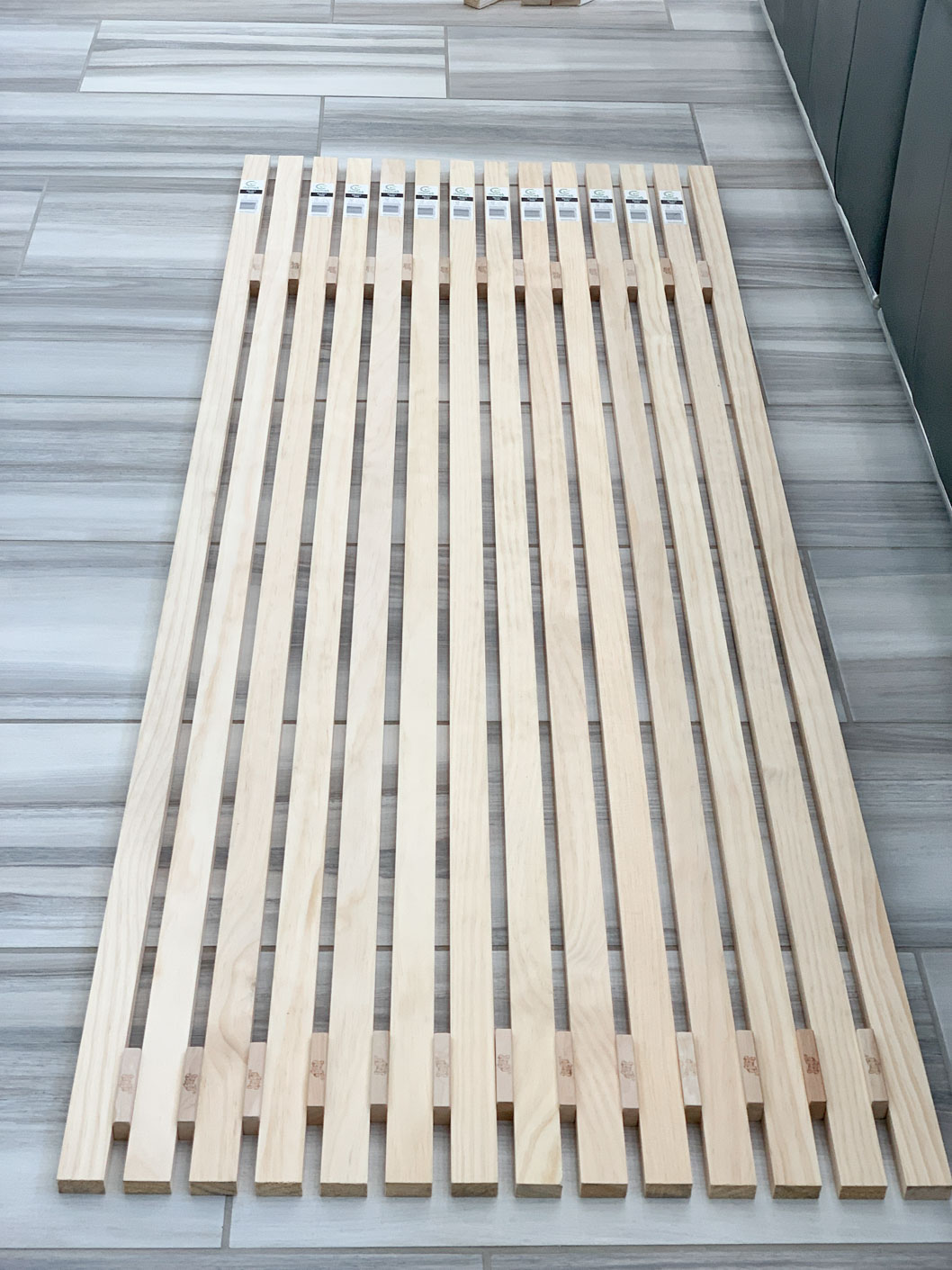 Vertical slat wall pieces